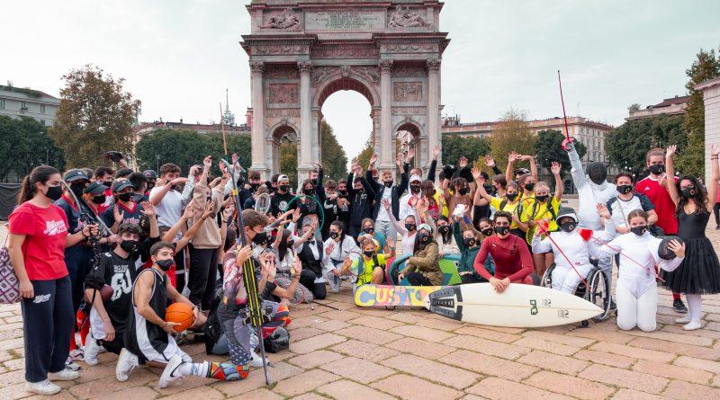 A MILANO nasce CHAMPIONS for CHANGE.  50 SPORTIVI presenti al FLASHMOB all'ARCO della PACE.